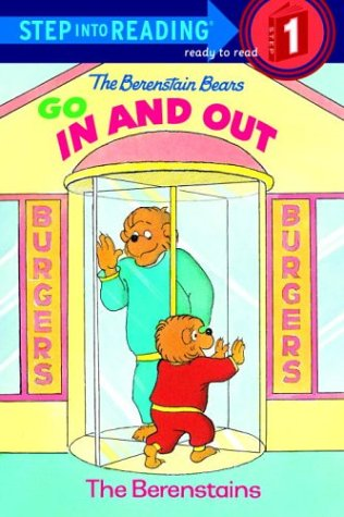 9780679892250: The Berenstain Bears Go In and Out (Step-Into-Reading, Step 1)