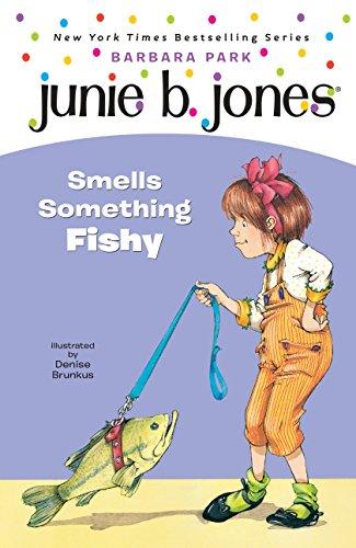 9780679991304: Junie B. Jones Smells Something Fishy (Junie B. Jones 12, Library Binding)
