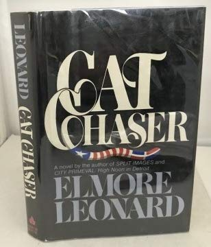 9780681401143: Cat Chaser(Large Print)