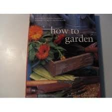 9780681965737: how to garden (A practical encyclopedia of gardening techniques with step-by-step photographs)