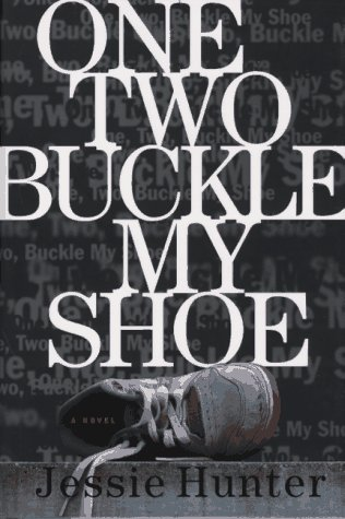 9780684831701: One Two Buckle My Shoe