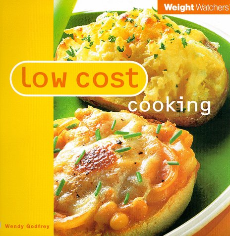 9780684851556: Low Cost Cooking (Weight Watchers)
