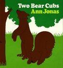 9780688014087: Two Bear Cubs