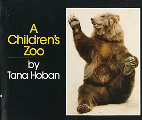 9780688052041: A Children's Zoo
