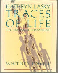 9780688072377: Traces of Life: The Origins of Humankind