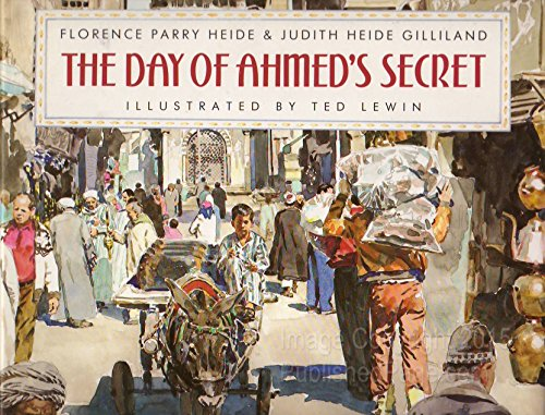 9780688088941: The Day of Ahmed's Secret