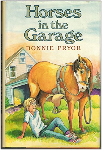 9780688105679: Horses in the Garage