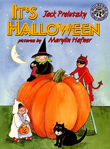 9780688147334: It's Halloween
