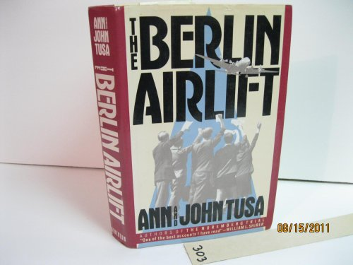 9780689115134: The Berlin Airlift