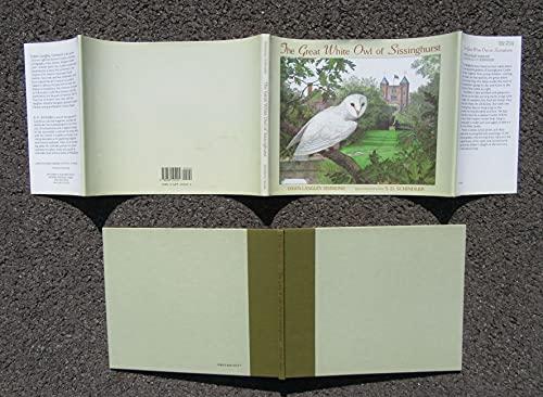 THE GREAT WHITE OWL OF SISSINGHURST.: Simmons, Dawn Langley.
