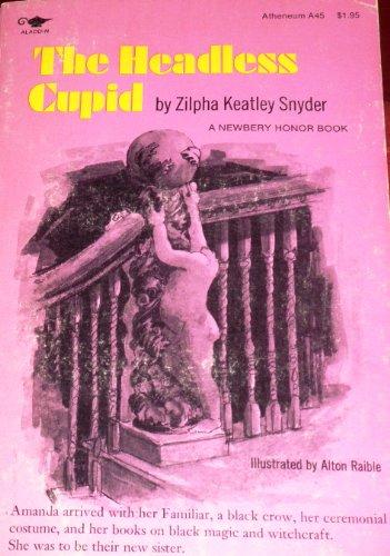 9780689704147: The Headless Cupid