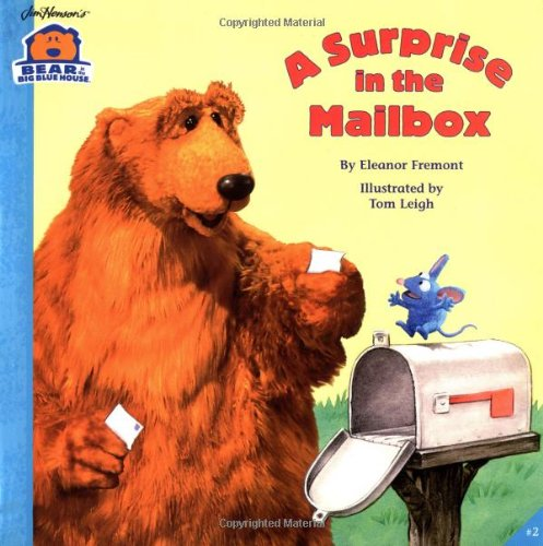 9780689823367: A SURPRISE IN THE MAILBOX (Bear in the Big Blue House (Paperback Simon & Schuster))