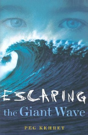 9780689852725: Escaping the Giant Wave
