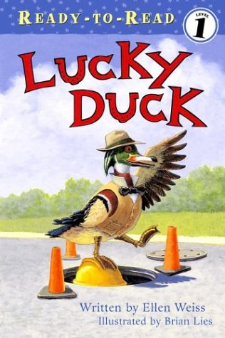 9780689860300: Lucky Duck (Ready-to-read Level 1)