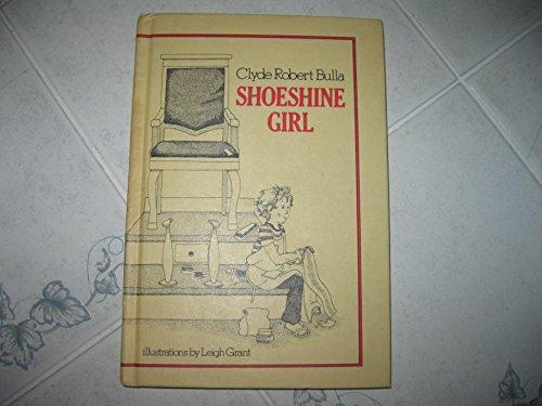 9780690007589: Shoeshine girl
