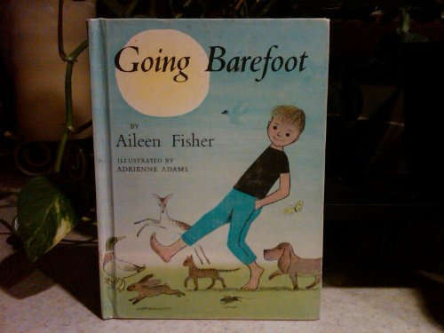 9780690333312: Going Barefoot