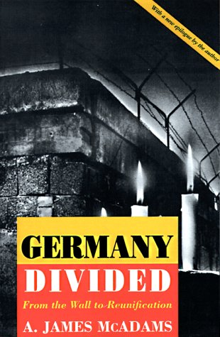 9780691078922: Germany Divided