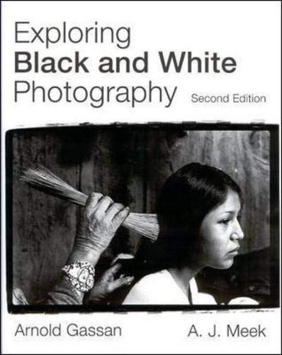 9780697125231: Exploring Black and White Photography