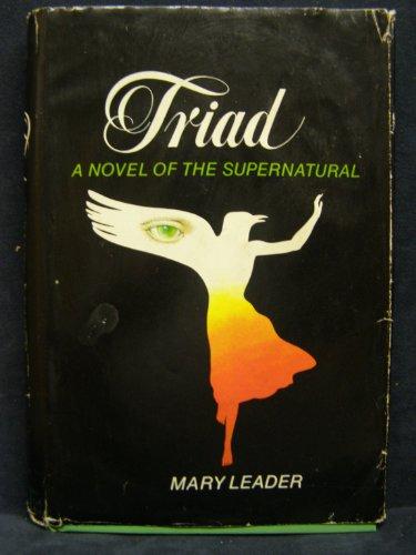 9780698104969: Triad: A Novel of the Supernatural