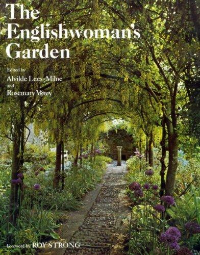 9780701123956: The Englishwoman's Garden