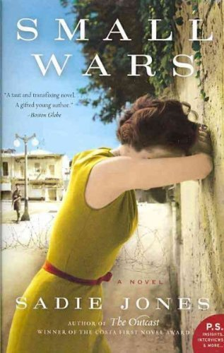 9780701186517: SMALL WARS By Jones, Sadie (Author) Paperback on 01-Jan-2011