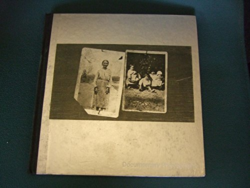 9780705400367: Documentary Photography (Library of Photography)