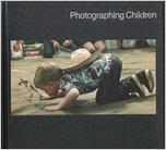 9780705404129: Photographing Children (Library of Photography)