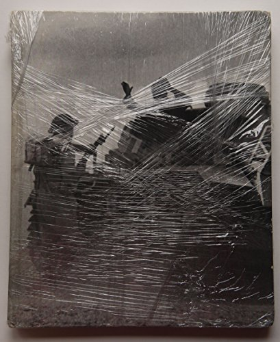 9780705405287: The War in the Desert (World War II)