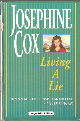9780708989050: Living A Lie (CH) (Charnwood Large Print Library Series)