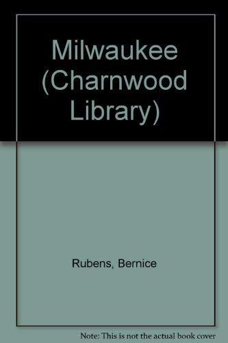 9780708993743: Milwaukee (Charnwood Library)