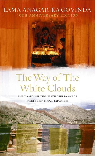9780712655439: The Way Of The White Clouds