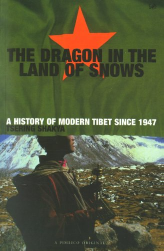9780712665339: Dragon In The Land Of Snows: The History of Modern Tibet since 1947 (A Pimlico original)