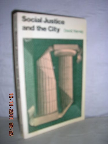 9780713157666: Social Justice and the City