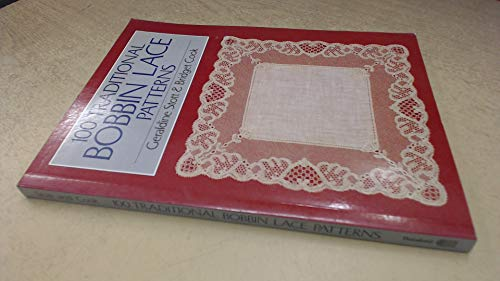 9780713439311: One Hundred Traditional Bobbin Lace Patterns (Batsford Lace)