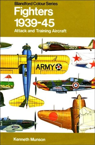 9780713703788: Fighters Attack and Training Aircraft 1939-45 [Pocket Encyclopaedia of World Aircraft in Colour]