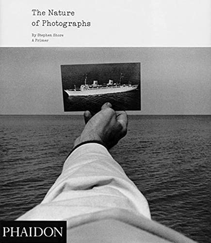 9780714859040: The nature of photographs