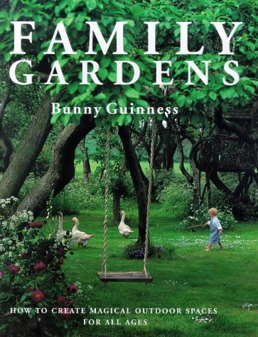 9780715304228: Family Gardens