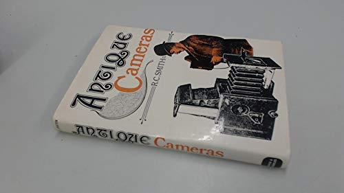 9780715368404: Antique cameras