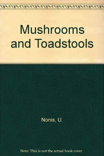 9780715382820: Mushrooms and toadstools: a colour field guide
