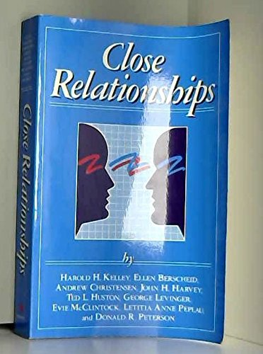 9780716714439: Close Relationships