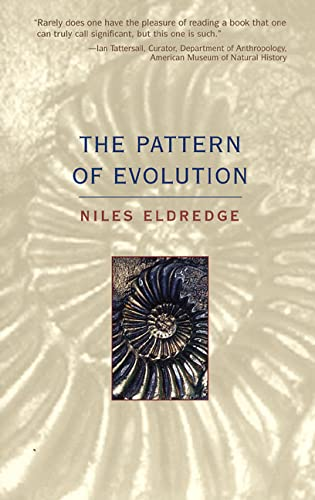9780716739630: The Pattern of Evolution