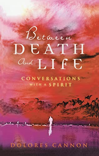 9780717136223: Between Death and Life: Conversations with a Spirit