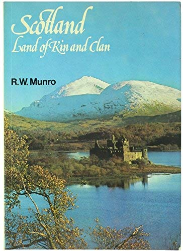 9780717942619: Scotland, Land of Kin and Clan