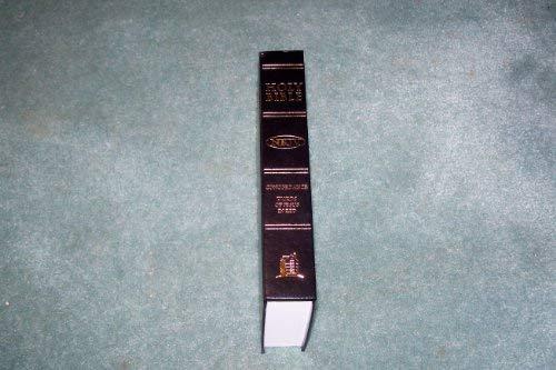 9780718002107: Compact Text Bible (Bible Nkjv Black Hardcover)