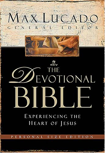 9780718015749: The Devotional Bible - Personal Size Edition: Experiencing The Heart of Jesus