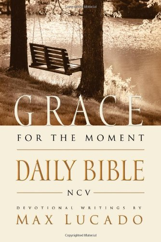 9780718018009: Grace for the Moment Daily Bible, New Century Version