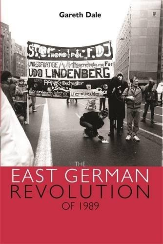 9780719074776: The East German Revolution of 1989