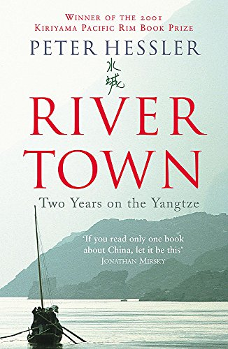 9780719564802: River Town: Two Years on the Yangtze