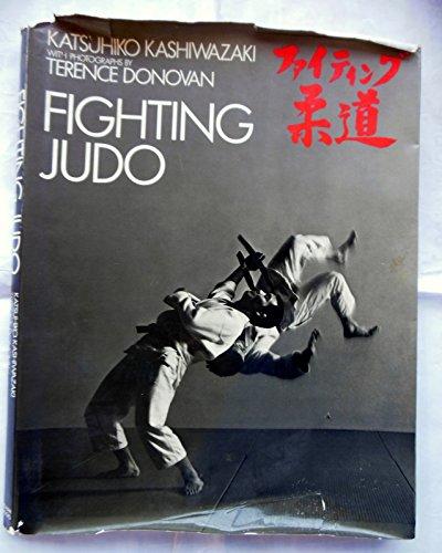 9780720715941: Fighting Judo