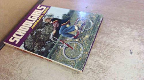 9780723501893: SCHOOLGIRLS' ANNUAL 1974